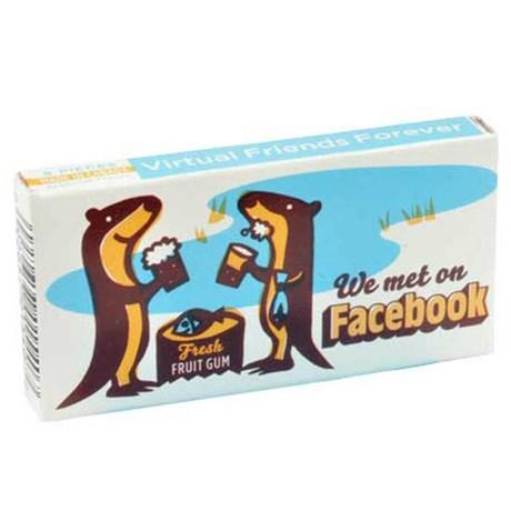 Tuggummi – Fyndigt & Skojigt We met on Facebook